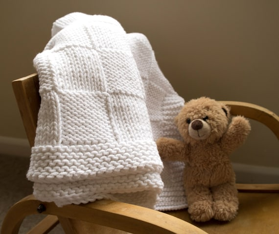 Easy baby blanket knitting pattern. Traditional basket weave blanket