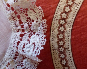 Victorian lace handkerchief. 1890s. - shabby chic - victorian lace - antique lace - antique handkerchief - bobbin lace hankie -