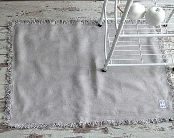 Thick Linen rug - 400 g/m2 - Double-layered feet mat - Natural linen bed rug - Light grey Bath linen rug - Fringed thick linen rug