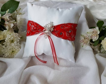 Satin and Ribbon Ring Bearer Pillow, Wedding Pillow, Red and White Ring Bearer Pillow, Broach, Broach Ring Pillow,