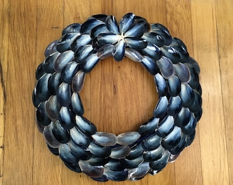 Large Mussel Shell Wreath