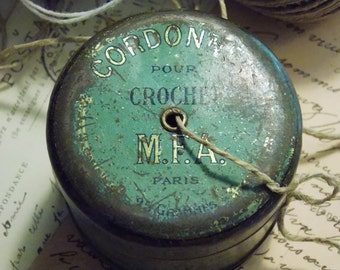 Small box old round steel cording to mark hook M F A Paris