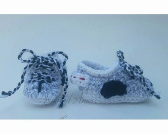 Crochet Yeezy Boost, Sneakers, Crochet sneakers, Sport shoes, Newborn shoes