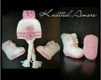 Crochet hat and boot set, booties, baby hat, baby girl hat, baby set, crochet baby hat, baby boots, fur boots, pom pom hat, announcement