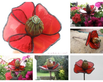 Poppy seed head, glass flower and garden plug / decoration Tiffanytechnik / stained glass