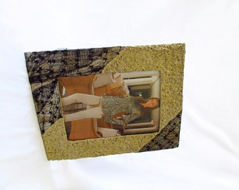 """Table and wall photo holder, photo frame 15 x 21 cm/6 x 8 """", Black Lace, handmade eco-design object, cartpesta, made in Italy"""