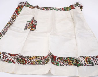 1930s Ivory Apron with Floral Pocket andWaistband