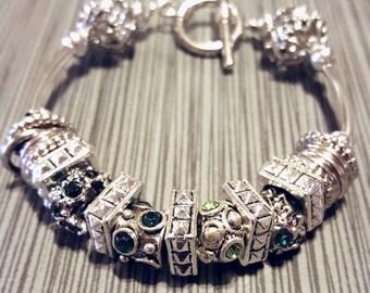 Beautiful Emrald Green KKE Design bracelet
