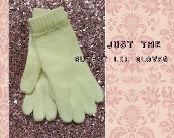 Pearl White Gloves