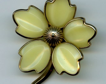 Poured Glass Crown Trifari Alfred Philippe Pale Yellow Dogwood Brooch