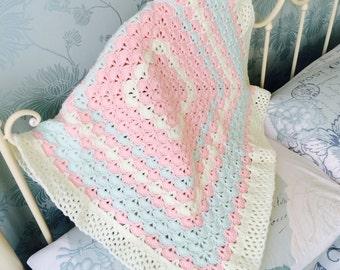 Precious girl shells crochet blanket