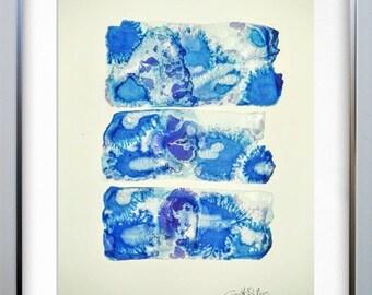Stains blue klein