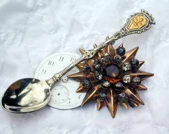 Upcycled Vintage watch spoon pendant Steampunk Steampriss pin necklace