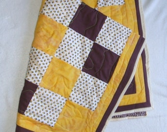 Bees Baby Quilt