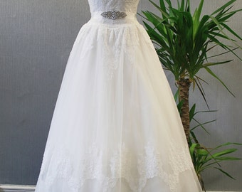 Alençon lace strapless wedding dress