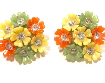 Vintage funky flower clip-ons