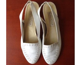 Vintage white leather slingback loafer slip-on slide-on flats / size 7.5 7 1/2