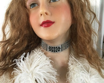 1920's French Flapper choker Necklace Beaded