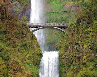 Multnomah Falls, Oregon USA photograph