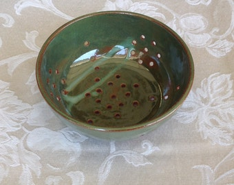 Small green colander/berry bowl