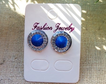 Stud earrings different colors