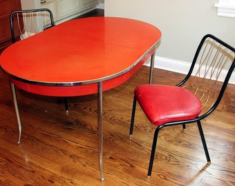 Mid-Century Dining Table and 2 Chairs *** (Chicago area pick-up and delivery only)