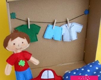 Suitcase-boy (dressing doll)