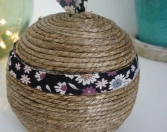 Natural material jewellery box
