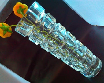 22cm glass vase, Vintage vase, glass vase, flower vase, glass flower vase, vases, vintage homeware, glass Vase. Vintage vase, vase, glass