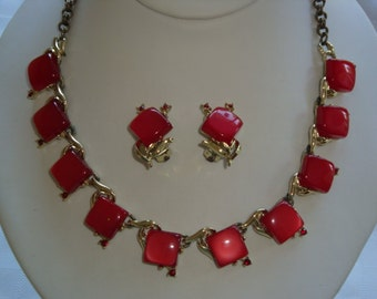 Vintage Rose Colored Lucite Thermoset Demi Parure - Adjustable Necklace and Clip Earrings