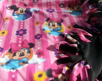 READY TO SHIP Pink Minnie Mouse Knotted Fleece Throw With Antipill Backing