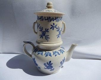 Old Teapot Saint-Uze