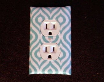 Fashion Switch and Outlet plate Teal Drops