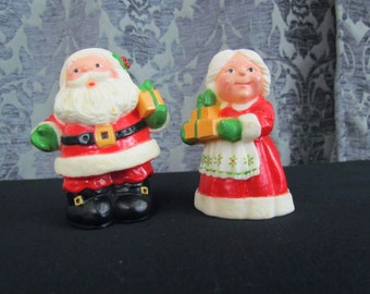 Santa Mrs Claus Salt Pepper Shakers Vintage Hallmark