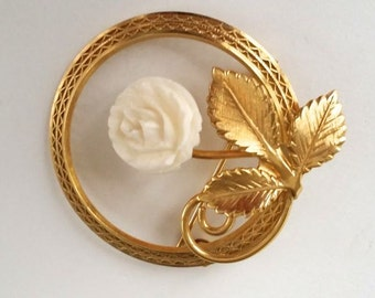 Vintage Cameo Rose Brooch Pin Gold Tone Costume Jewelry Pin