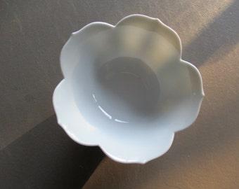 OMC Japan white flower bowl