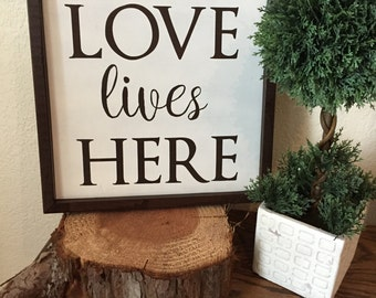 Love Lives Here Sign, Wall Decor, Rustic Sign, Housewarming Gift, Wedding Gift, Engagement Gift, Valentines Day Sign, Valentines Day Decor
