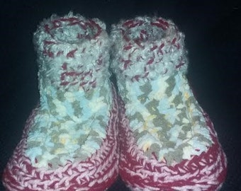 Crocheted Slipper with double soles for women