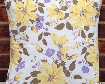 """1980's Yellow Floral 16"""" Cushion Cover Shabby Chic,Country Cottage,True Vintage"""