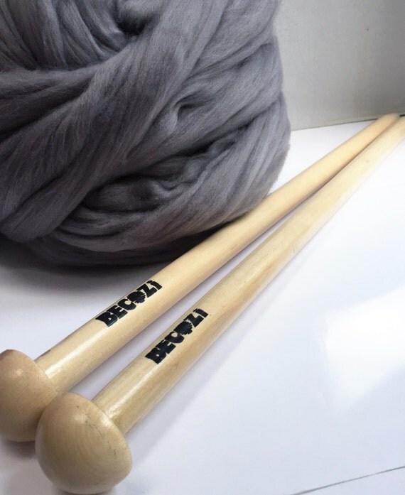 Knitting Chunky Yarn On Small Needles : Giant knitting needles extreme us size