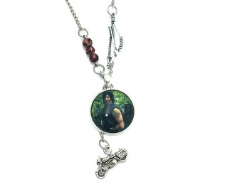 "Daryl Walking Dead Inspired Glass Dome Beaded Charm 26"" Chain Necklace Silver Tone"