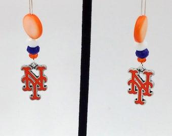 1 Pair - New York Mets  Theme Dangle Beaded Earrings Brass Ear wire Kidney Style EAR0043