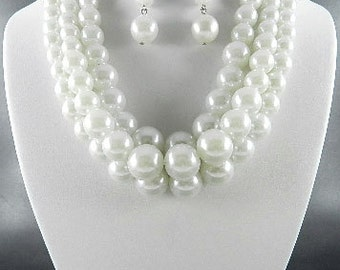 Fashion White 3-Layer Pearl Necklace