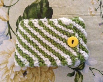 Knit cell phone case