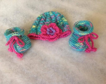 Newborn Baby Hat and Booties