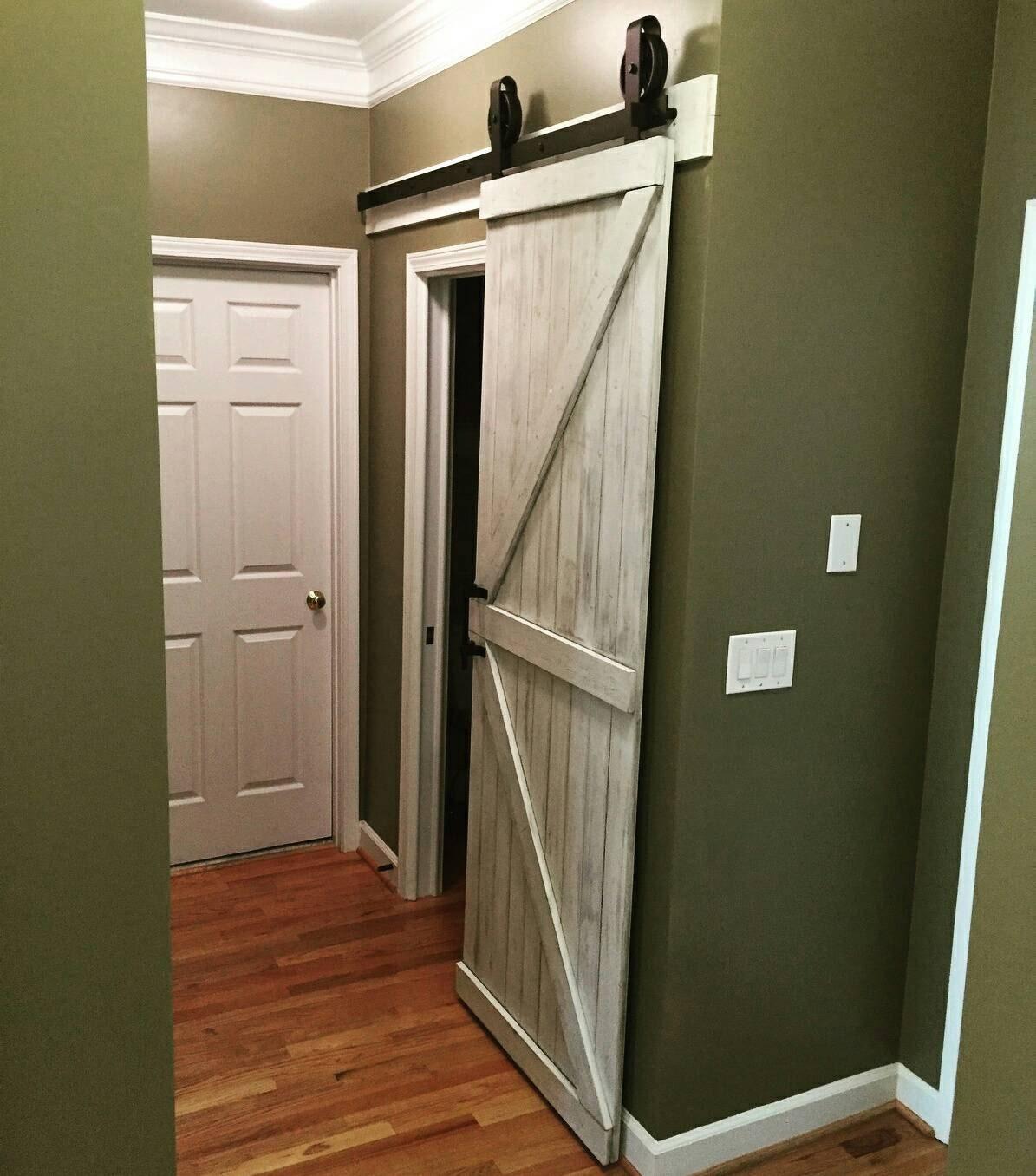 Porte de grange coulissante - Fabriquer une porte de grange ...