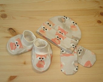 Organic baby Clothing Set : baby Hat + Booties + Mittens ORGANIC cotton Baby Shower Gift 3 Pack of Organic Baby Accessories