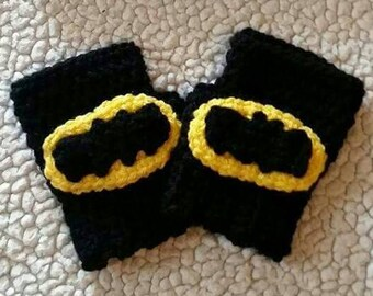 Crochet Batman Fingerless Gloves, crochet batman wrist warmers, crochet batman hand warmers, Batman gloves, handmade gifts, kids gloves,