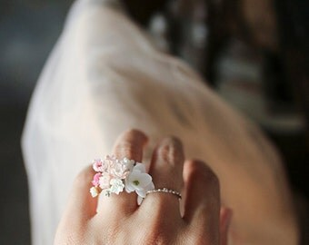 Preserved flower ring