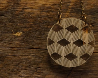 "Necklace ""3D"" circle in serious plexi"